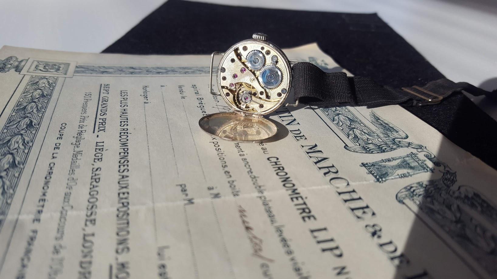 Calibre 20.3 Lip 1er mouvement manufacturé par LIPMANN en 1899 montre bracelet bulletin réglage chronométrique vers 1912