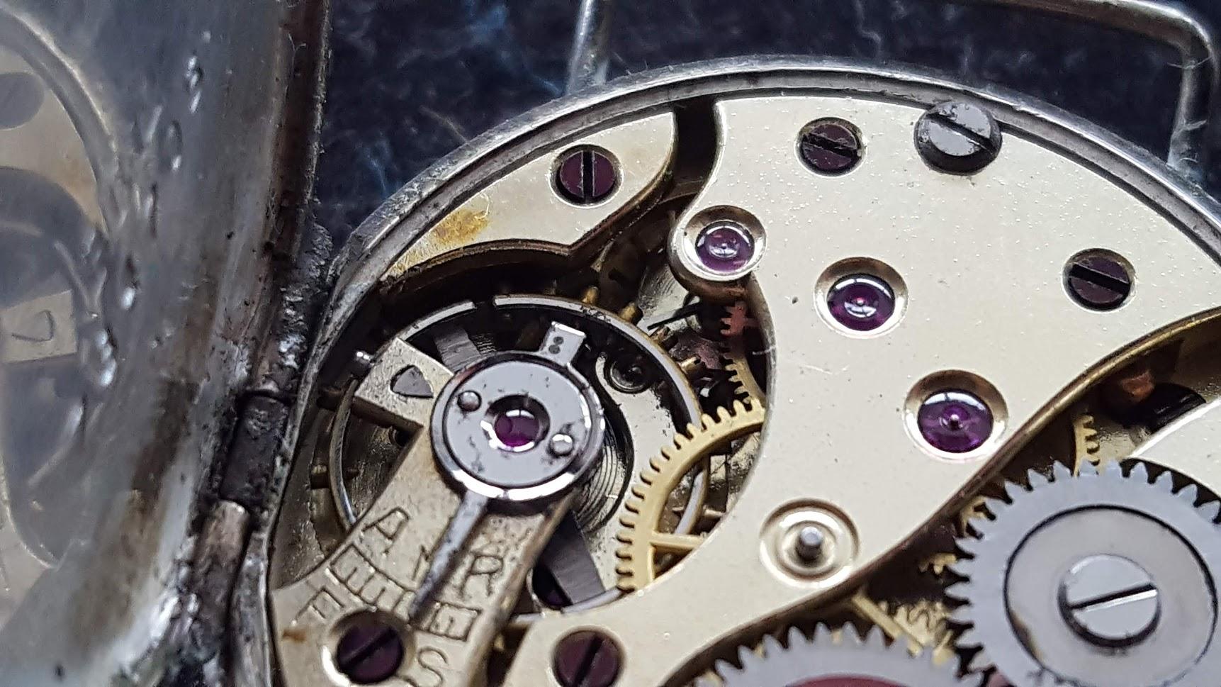 Calibre 20.3 Lip 1er mouvement montre bracelet manufacturé par LIPMANN en 1899