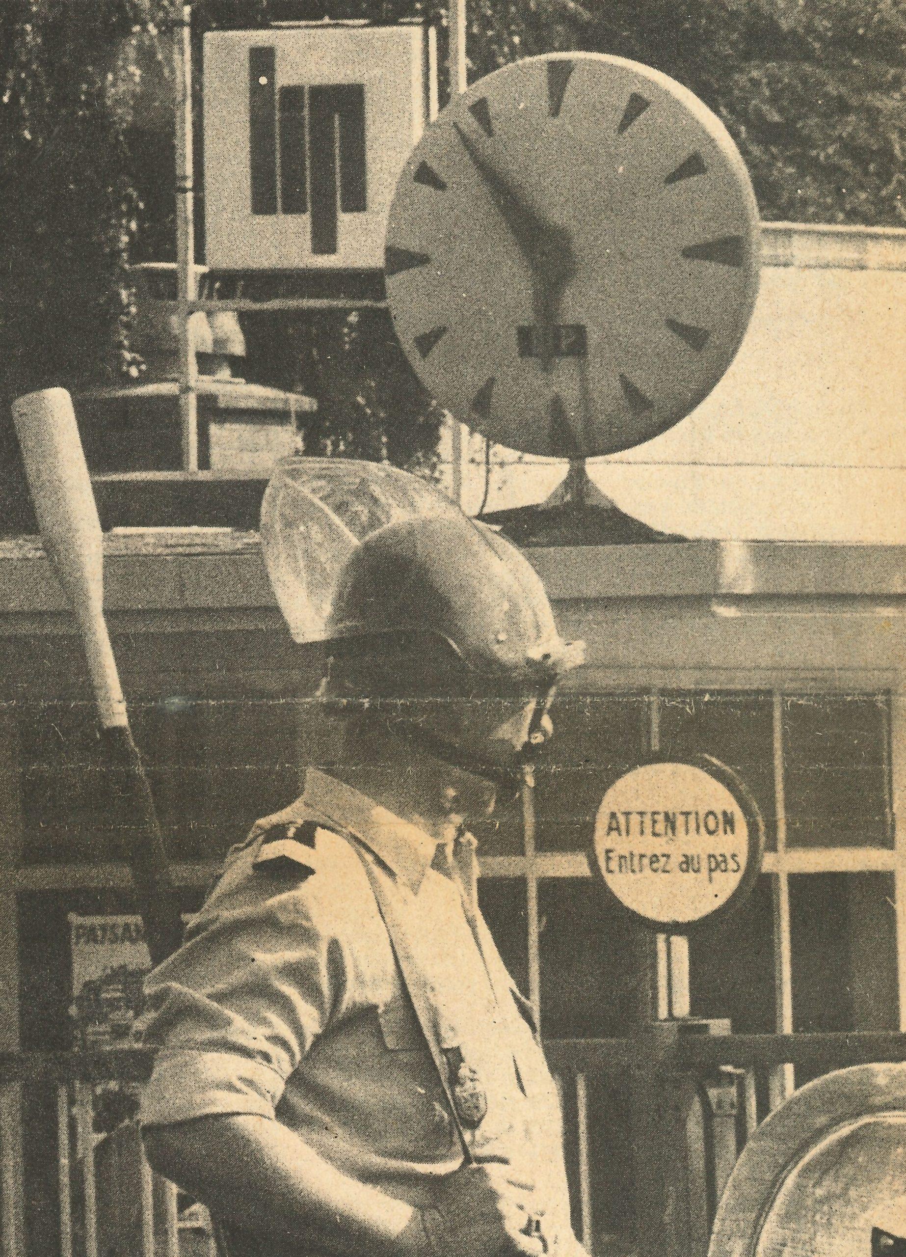 CRS devant l'usine de palente, conflit Lip journal du 15 Aout 1973